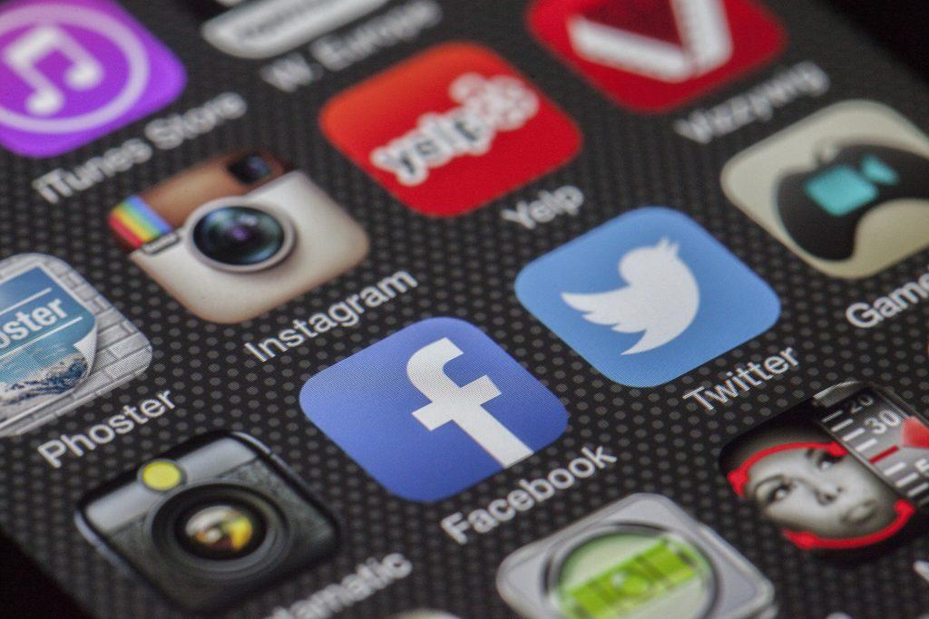 -absolutely_free_photos-original_photos-social-network-icons-3000x2000_27129